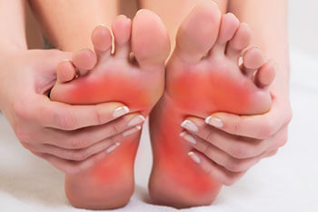 Foot pain treatment in Midtown & Downtown Manhattan: New York, NY 10038 and New York, NY 10036 as well as Forest Hills, NY 11375 area